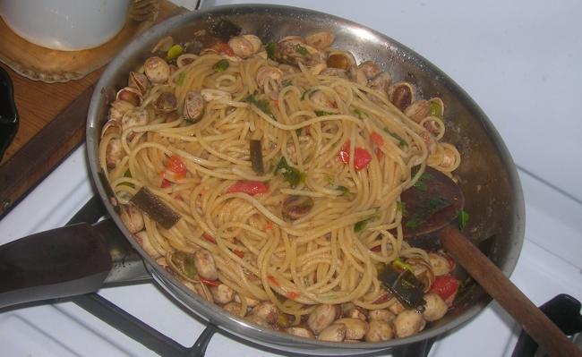 spaghetti alle vongole felici | vegan blog - ricette vegan ... - Come Cucinare Le Vongole Surgelate