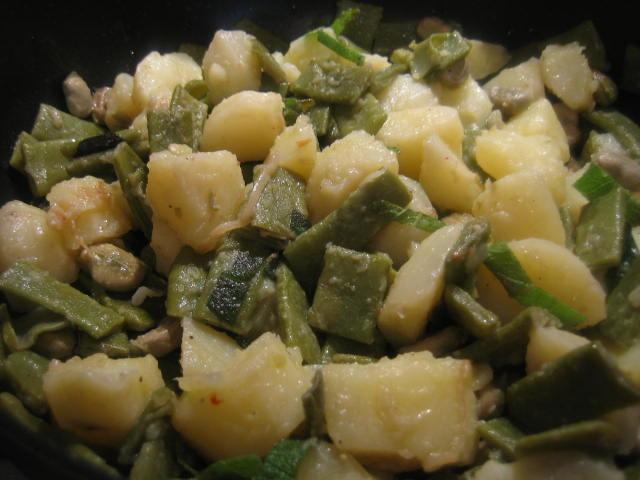 Insalata di taccole fave e patate vegan blog ricette for Cucinare le taccole