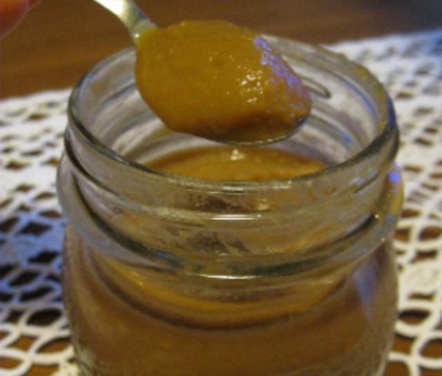 Decolorazione di pelle crema aspra e limone