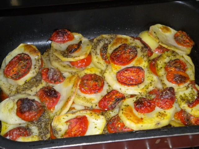 patate al forno con pomodori   vegan blog - ricette vegan - vegane ... - Come Si Cucinano Le Patate Al Forno