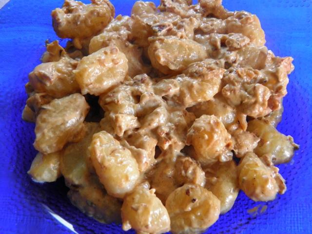 Ricetta Gnocchi Salsa Di Noci.Gnocchi Di Patate Alla Salsa Di Noci Veganblog Ricette E Prodotti Dal Mondo Vegan