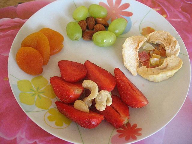 Merenda colorata vegan blog ricette vegane cruelty free - Piatti di frutta decorati ...
