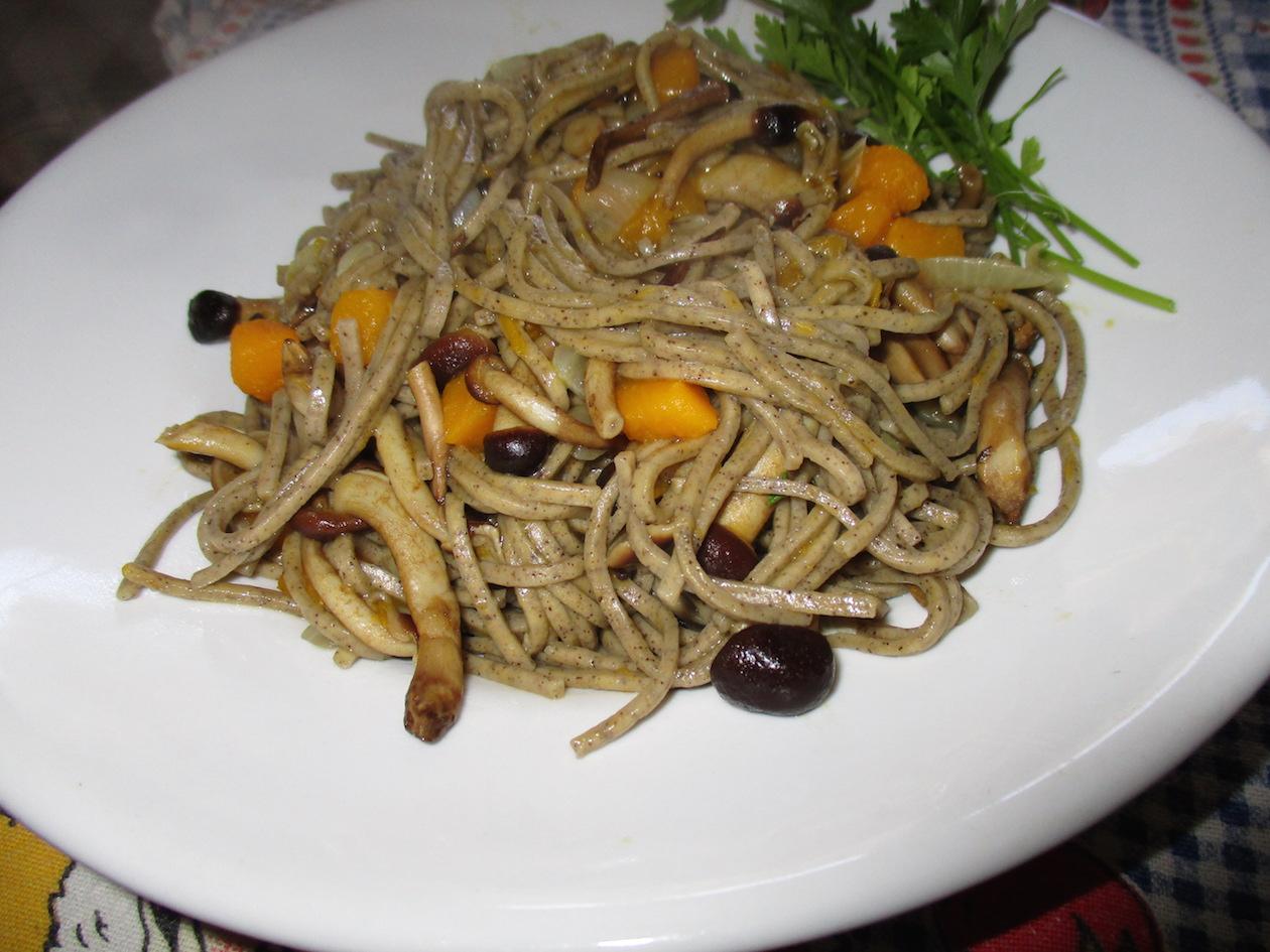 Spaghetti di canapa con pioppini vegan blog ricette for Spaghetti ricette
