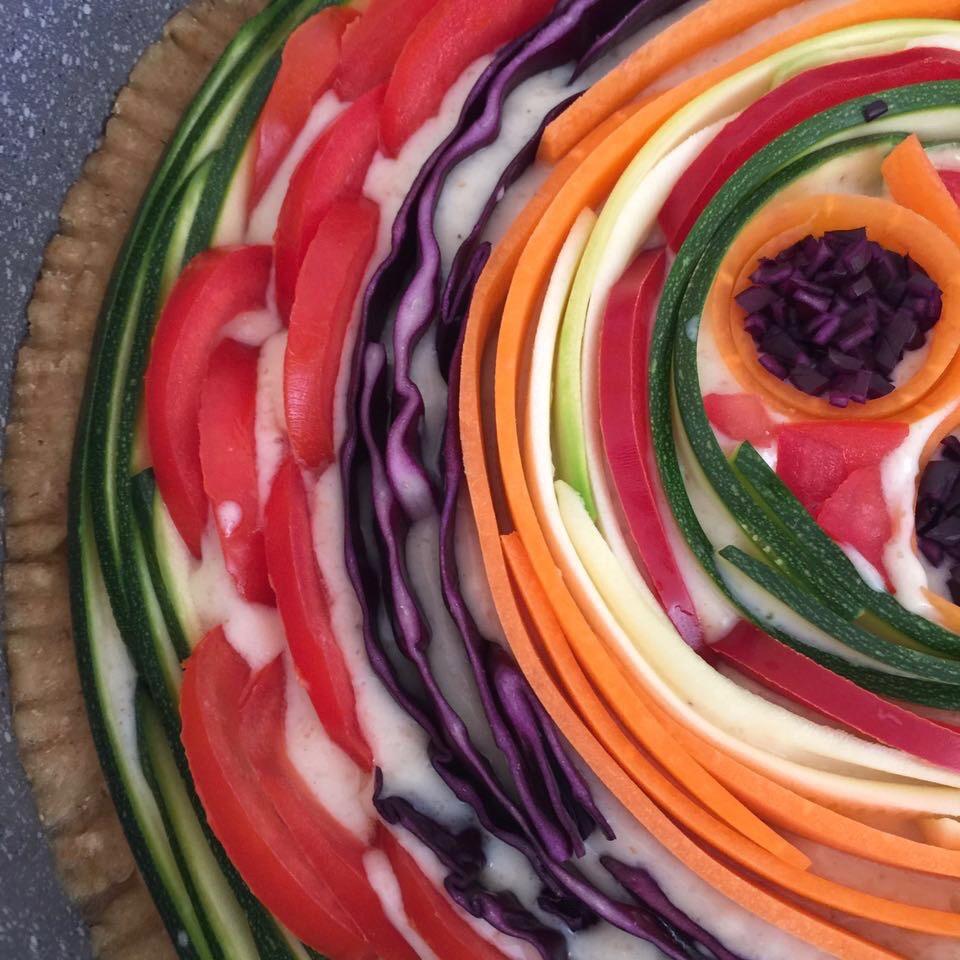 dettaglio della torta salata arcobaleno